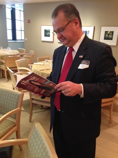 Jerry Campagna with a copy of our summer issue at the 2013 ALPFA Chicago Executive Leadership Summit, Chicago.