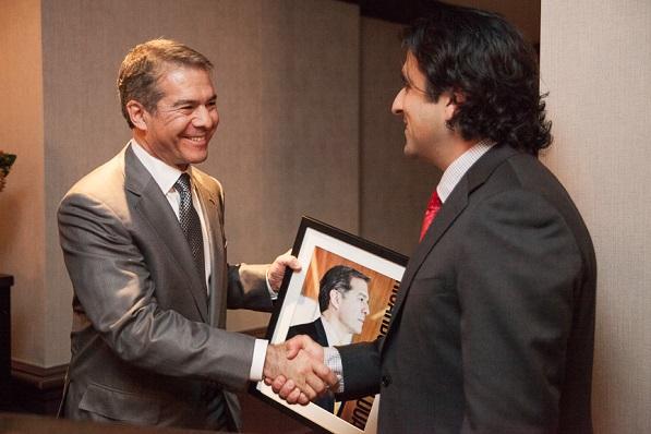 Honoring Top 10 Líder Ricardo Anzaldua, General Counsel, Metlife