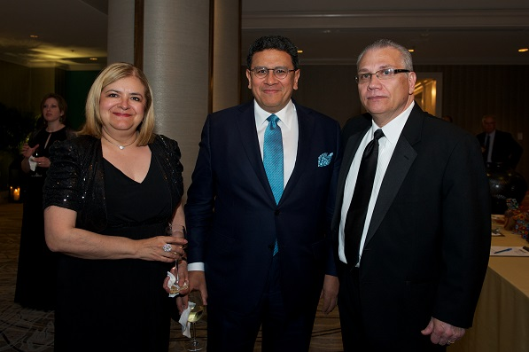 Our Spring 2014 cover star, president of Quaker Foods North America, Jose Luis Prado along with his wife Rosie Prado and National Museum of Mexican Art's President Carlos Tortolero.