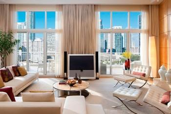 RESIZED_miami-suite-oriental-suite-living-room