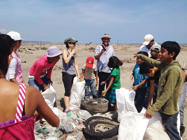 De la Reguera and volunteers clean the beach at Chalchihuecan, Veracruz in October, 2013.