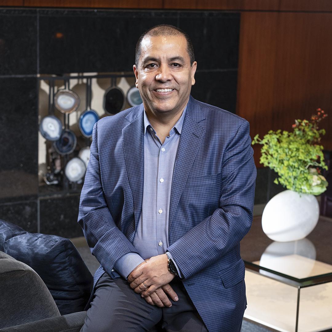 Martin Escutia, VP of Services for Mexical, Central American & Caribbean, Infinera, portrait thumbnail