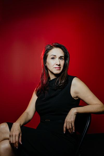 Luz Martinez, Leonardo DRS, portrait sitting