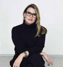 Lorna Hagen, iHeartMedia, portrait thumbnail