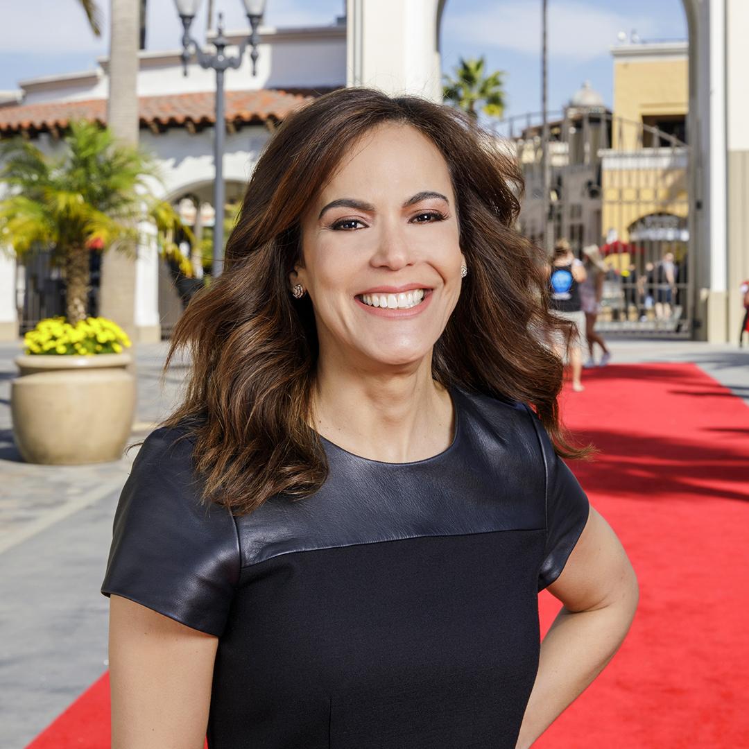 Mariela Ure, Universal Studios Hollywood, portrait thumbnail