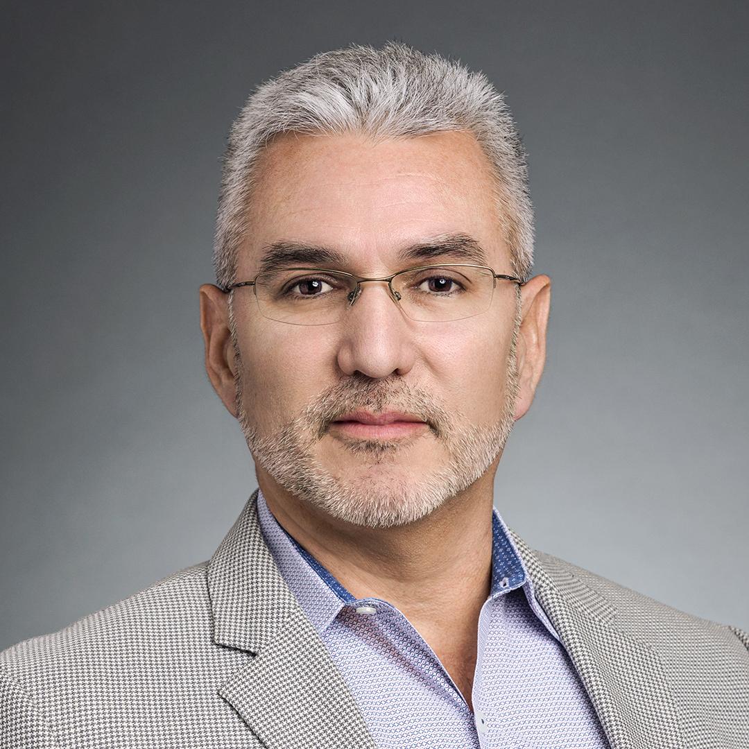 Oscar Arredondo, Senior Counsel, Chevron, portrait thumbnail